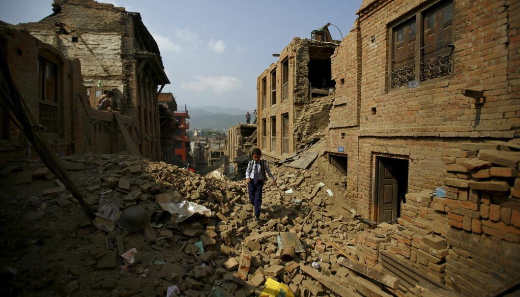 Mange hus kollapset etter det store jordskjelvet i Nepal i vår. Dette bildet er fra byen Bhaktapur i Nepal. (Foto: Navesh Chitrakar/Reuters)