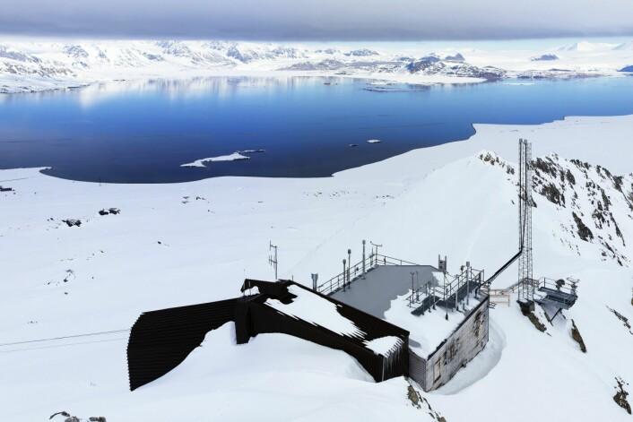 Zeppelin-observatoriet utenfor Ny-Ålesund på Svalbard. (Foto: Ove Hermansen, NILU)