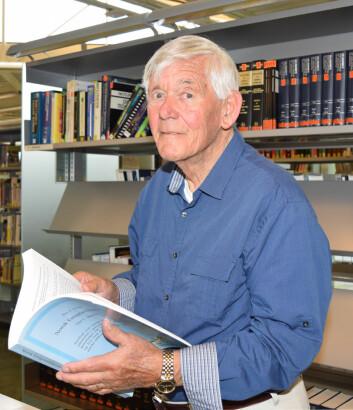 Per Asbjørn Holst har alltid vært veldig historieinteressert og mange år i USA gjorde at han ble spesielt interessert i emigrasjonshistorie. (Foto: Elin Nyberg)
