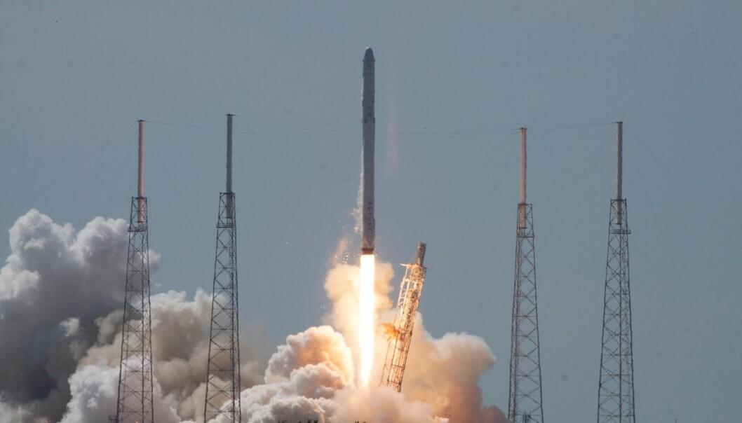 Den ubemannede raketten SpaceX Falcon 9 eksploderte få minutter etter at den ble skutt opp fra Cape Canaveral i den amerikanske delstaten Florida på oppdrag for NASA.  (Foto: NASA/Charles Babir)
