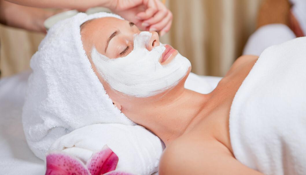 Siloksaner er viktige ingredienser i både deodoranter, sjampo, hudkremer og hårstylingprodukter. Stoffene gjør innholdet glatt og lett å påføre og bærer med seg godlukten. Men de kan også være en miljøtrussel.  (Foto: Microstock/NTB scanpix)