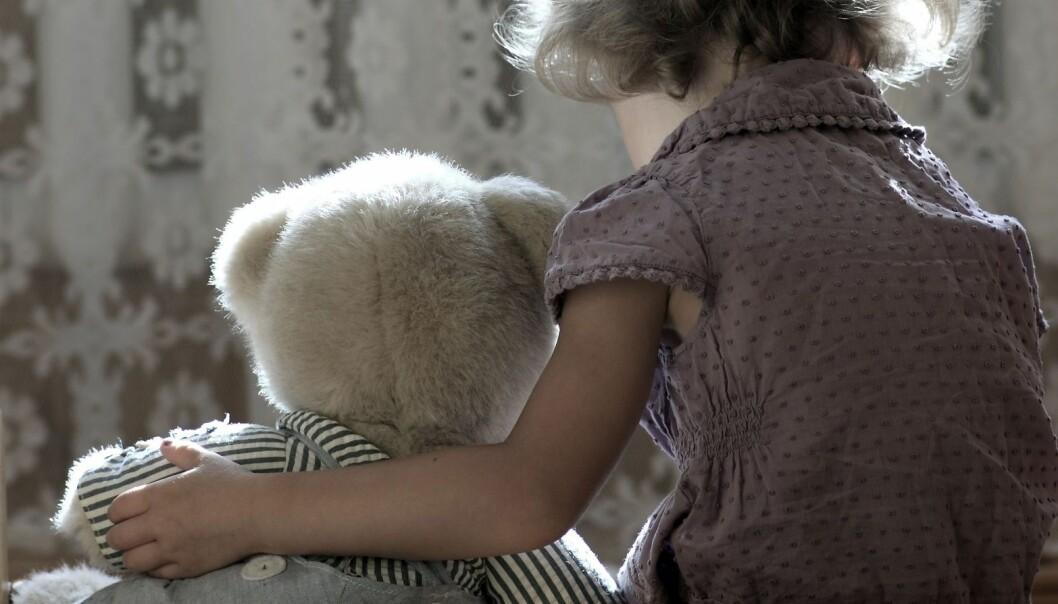 Noen barn har lært tidlig at de må ta vare på seg selv. Kanskje har de også måttet ta seg av mindre søsken. (Foto: Microstock)