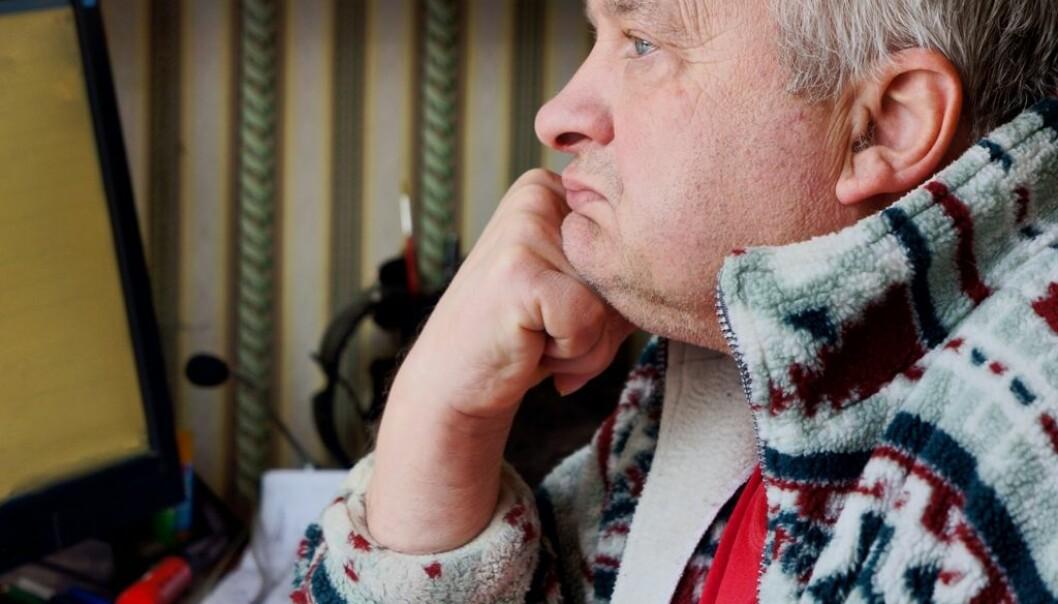 Håpløshet og konstant nedstemthet kjennetegner både sorg og depresjon. Derfor kan det være vanskelig å skille de to. Også for leger. (Foto: Colourbox)