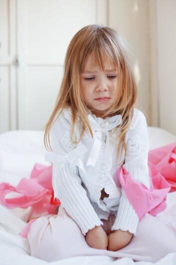 Barn som har blitt mishandlet enten fysisk eller psykisk, har markant større risiko for å skade seg selv.  (Foto: Colourbox)