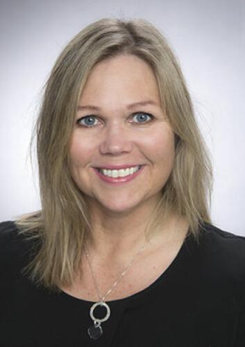 Forsker Bente Frisk har jobbet med KOLS siden 1997. Hun har jobbet med lungerehabilitering på Haukeland universitetssjukehus, undervist fysioterapistudenter ved HiB og sittet i ulike råd i Helse- og omsorgsdepartementet, Norsk Fysioterapeutforbund og Helsedirektoratet. (Foto: Anne-Sidsel Herdlevær)