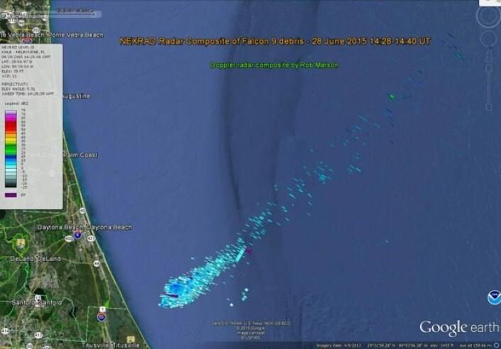 Vrakgods fra Space-X sin rakett og fraktefartøy observert med vær-radar. (Data: NOAA)