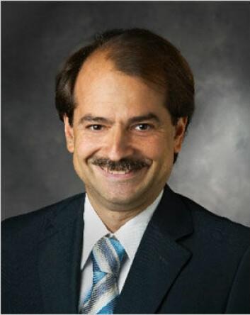 Stanford-professor John P.A. Ioannidis mener det er på tide å revurdere hvordan vi utfører medisinsk forskning. Foto: Stanford University