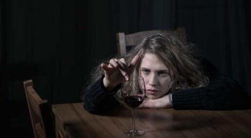 Tristhet øker risikoen for fyll, men ikke blant tenåringer