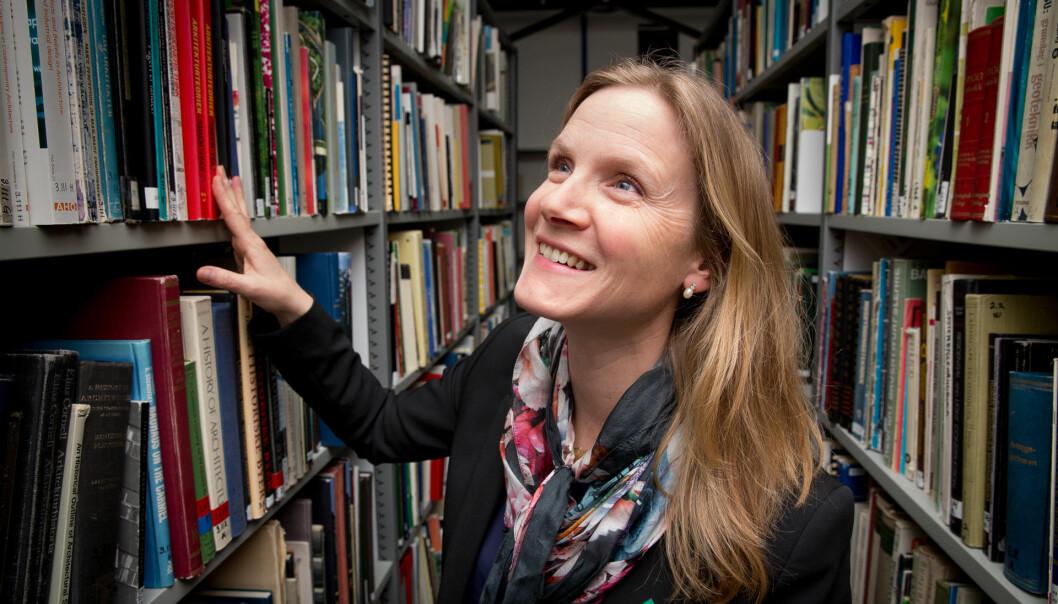 Mari Sundli Tveit er rektor på NMBU, men leser og skriver fortsatt fagbøker. (Foto: Håkon Sparre)