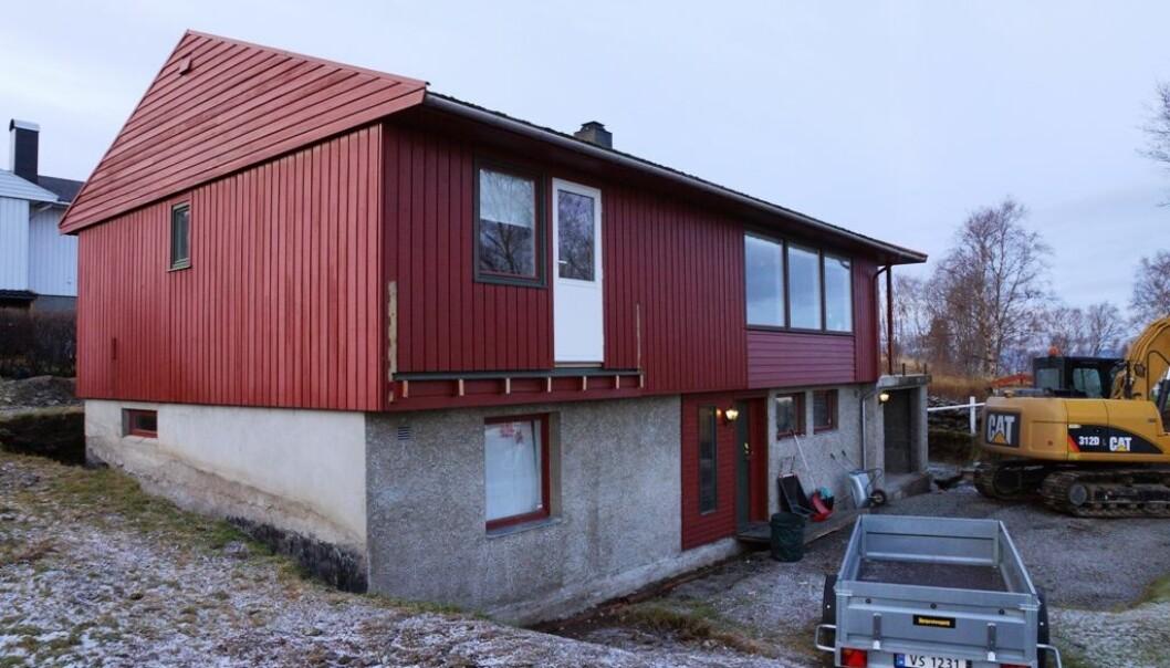 Når Sissel Kjøglum og Lars Audun Nornes skulle oppgradere eneboligen sin fra 1970-tallet var det viktig for dem å redusere energiforbruket i samme slengen. Prosjektet har vart i snart tre år. Paret er ikke i tvil om at de gjerne skulle benyttet seg av en samarbeidsgruppe og kun hatt en fagperson å forholde seg til som tok ansvaret for alt. (Foto: Privat utlån)