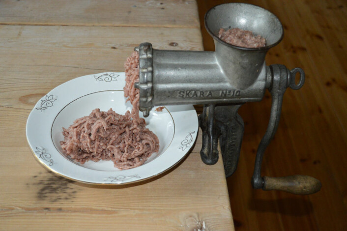 Kjøttkakas utbredelse henger sannsynligvis sammen med kjøttkvernas tilgjengelighet.  (Foto: Eva Narten Høberg)