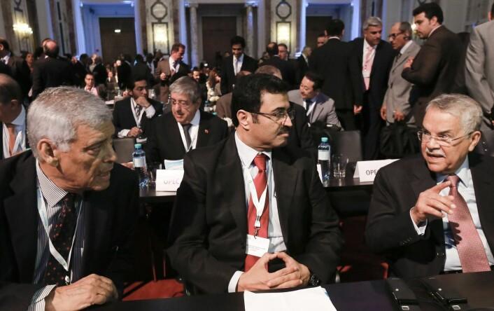 Opecs generalsekretær Abdullah al-Badri (til venstre), Qatars energi- og industriminister Mohammed Saleh al-Sada og Saudi-Arabias oljeminister Ali al-Naimi under Opec-møtet i Wien tidligere denne måneden. (Foto: Leonhard Foeger, Reuters)
