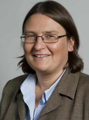 Prorektor Ragnhild Hennum er ikke bekymret, selv om hun ikke vet hvor mye forskning som blir liggende i skuffene til forskerne ved Universitetet i Oslo. (Foto: UiO)