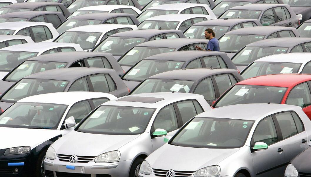VW Golf har gjort motorene stadig mer bensingjerrige og miljøvennlige. Men på grunn av forbrukernes nye krav til komfort og sikkerhet har vekten på bilen økt med 50 prosent. Dette gjorde at drivstofforbruket per bil bare ble redusert med seks prosent.  (Foto: Yves Herman, Reuters)