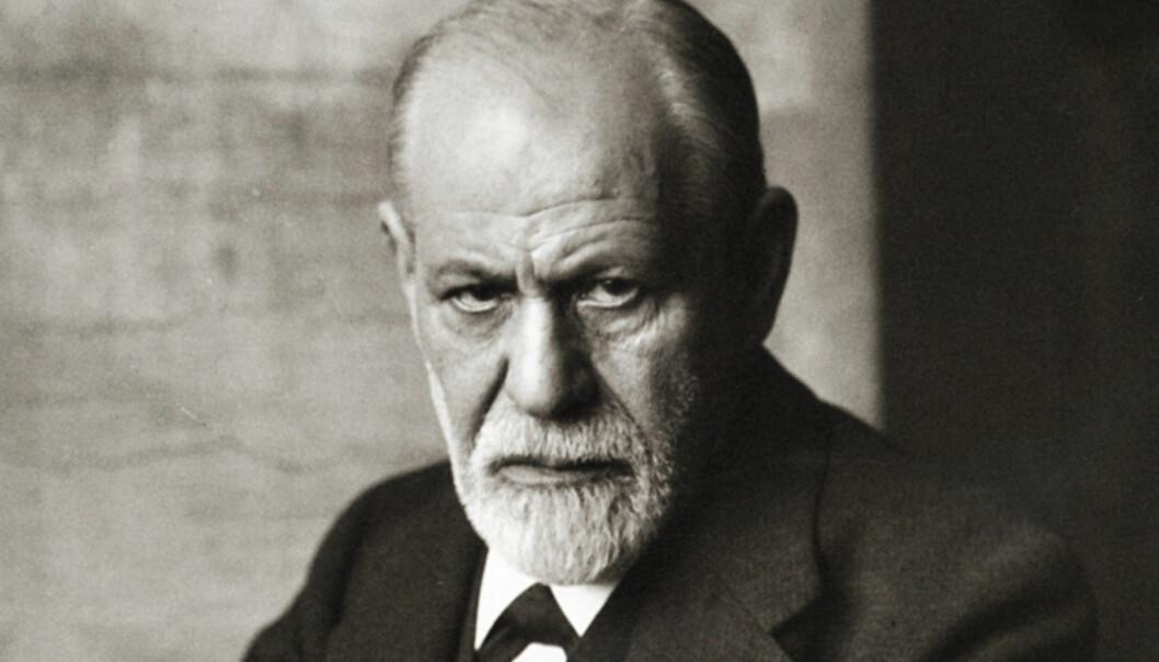 Sigmund Freud forsøkte å kombinere psykologi og hjerneforskning. Men dette var lenge før hjerneskannere ble funnet opp, så han hadde ikke de redskapene han trengte. (Foto: Ferdinand Schmutzer, Wikimedia Commons)