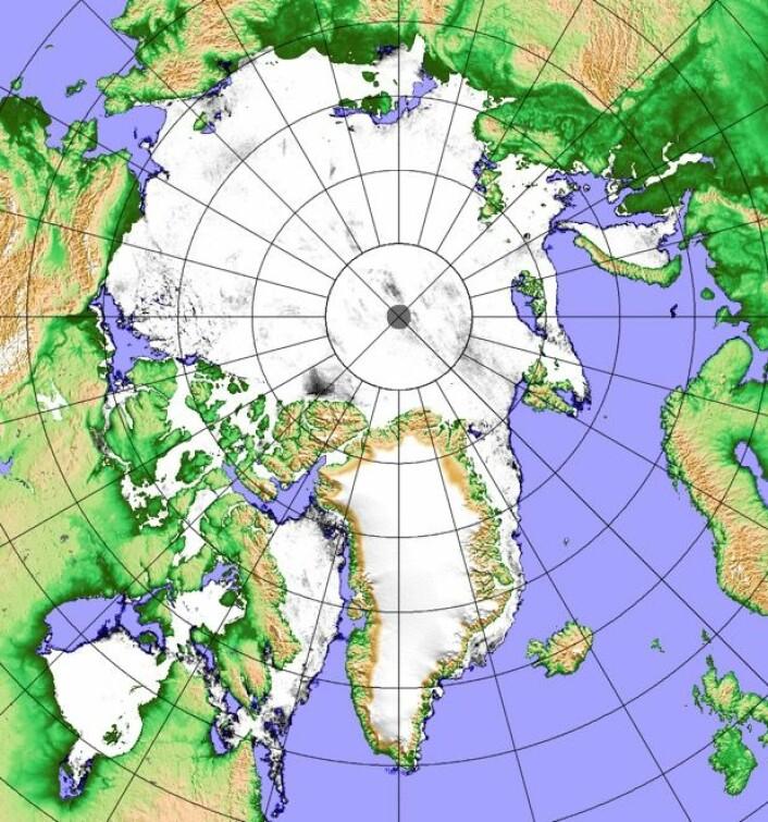 Det går mot sol og sommer i Arktis. Her er iskartet fra 4. juni. (Bilde: Univ i Bremen / Målinger: JAXA)
