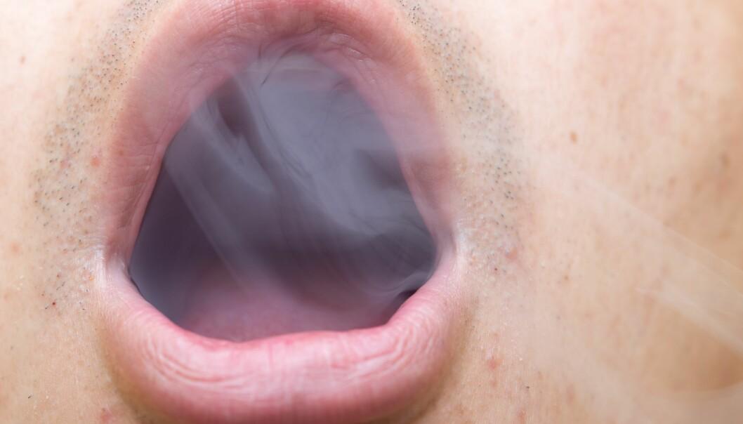 Årsakene til munnhulekreft er mange, men er ofte forbundet med røyking og alkohol. (Illustrasjonsfoto: Colourbox)
