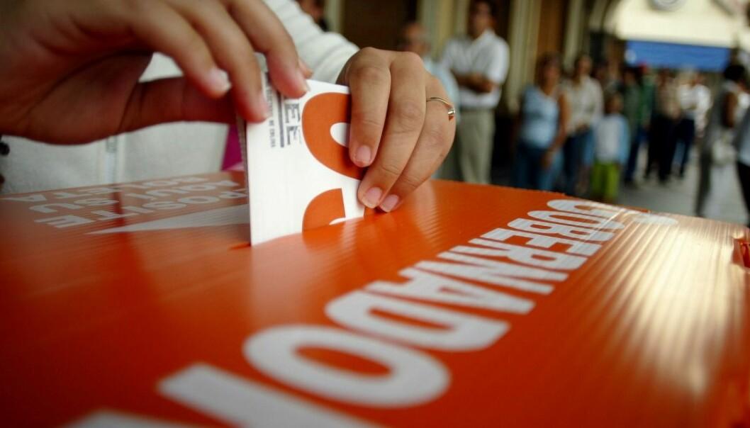 Mexico City har en rekke støtteordninger og sosiale programmer som folk kan søke på, men ofte ikke kjenner til. Politikere kan hjelpe til, mot en stemme. (Foto: AP / scanpix)