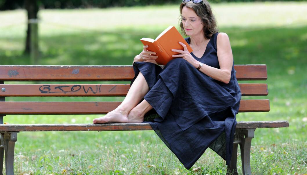 Bøker kan du lese i ferien, men vil du oppleve inspirerende litteraturfestivaler må du nok vente til høsten. I fjor var det ikke en eneste litteraturfestival i juli. (Foto: Frank May/Scanpix)