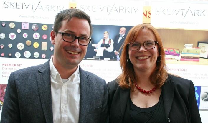 Runar Jordåen og Tone Hellesund på lanseringen av Skeivt arkiv ved Universitetet i Bergen. (Foto: Ida Irene Bergstrøm)