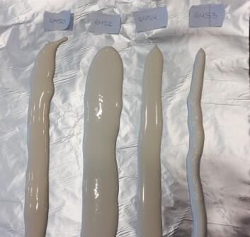 Forsøkene er allerede i gang hos smelteostprodusenten Kavli. På dette bildet vises ulike konsistensutfordringer i smelteost. Reduksjon av saltinnhold gir nemlig ulike utfordringer med hensyn til  konsistens og tekstur.  (Foto: Kathrine Lunde)