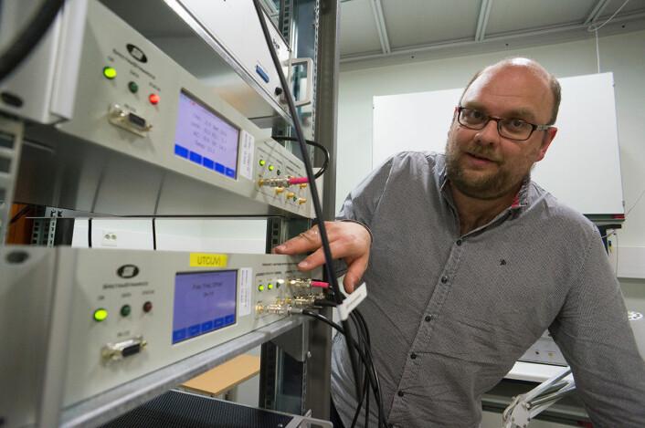 Disse atomklokkene definerer norsk tid. (Foto: Arnfinn Christensen, forskning.no)