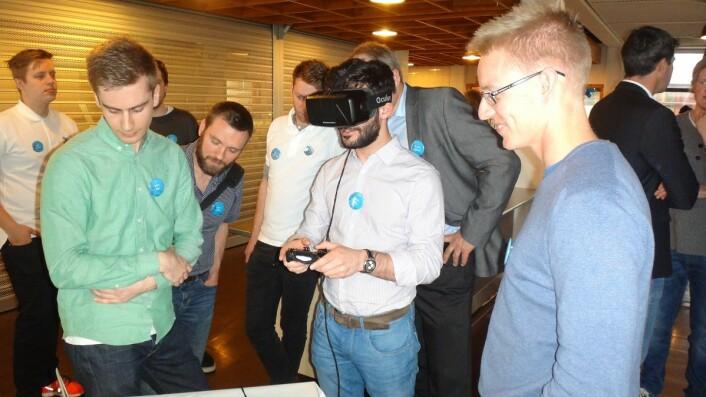 Oppdrettssimulatoren ble testet ut under Ocean Week i Trondheim.  (Foto: Ekaterina Prasolova-Førland, NTNU)