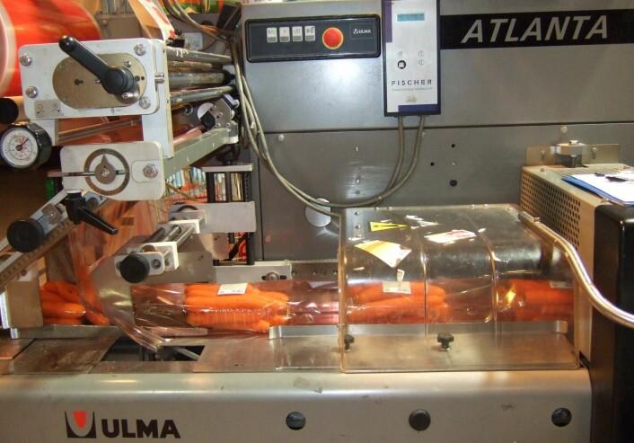 Ny og sterkere plastfilm reduserer forekomsten av rifter og punkteringer i pakkemaskinene. (Foto: Hanne Larsen)