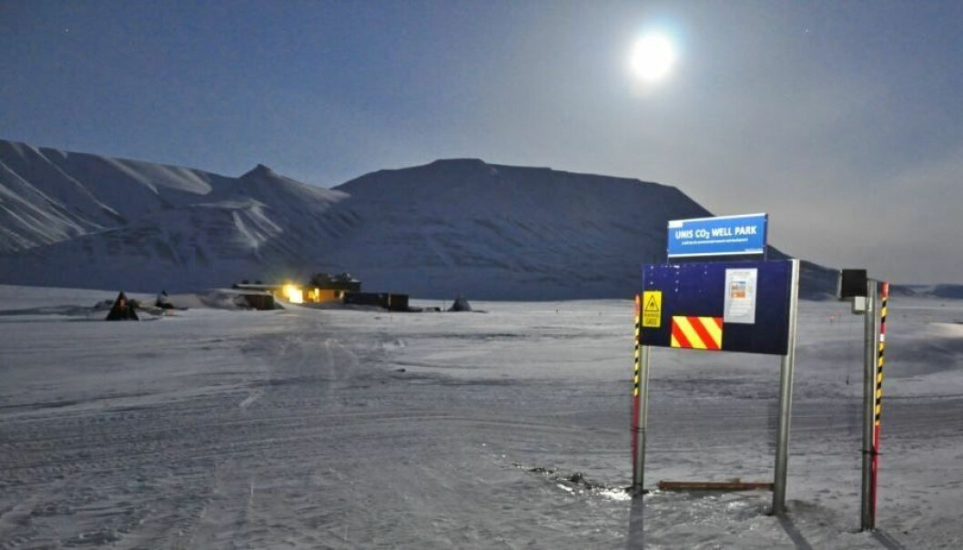 Under permafrosten ved Longyearbyen har forskerne boret åtte brønner og gjort overraskende funn om geologien. (Foto: UNIS)