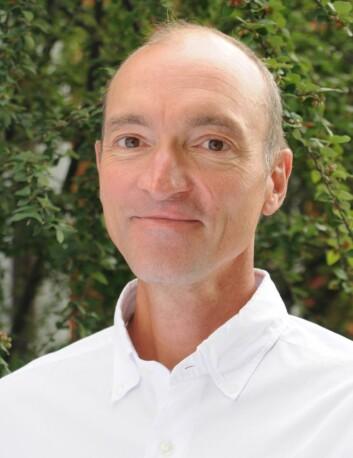 Professor Bjørn Morten Hofmann stiller spørsmålet om vi rett og slett er blitt for flinke til og for ivrige etter å oppdage og behandle sykdommer. (Foto: Universitetet i Oslo)