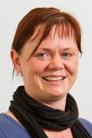 Førsteamanuensis Mona Helen Farstad svarer på spørsmål om religion og religiøsitet på nettsiden religionsoraklene.no.  (Foto: UiB)