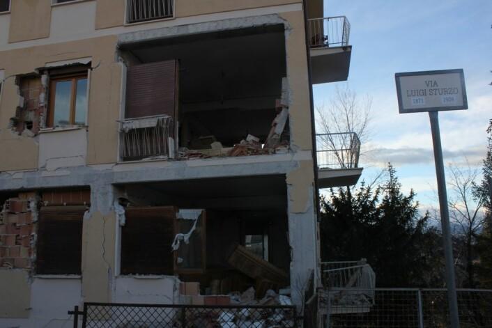 Øydeleggingane i L'Aquila-området var store. Mange av dei som sov i heimane sine jordskjelvnatta, skulle angre bittert i etterkant.  (Foto: Silje Pileberg)