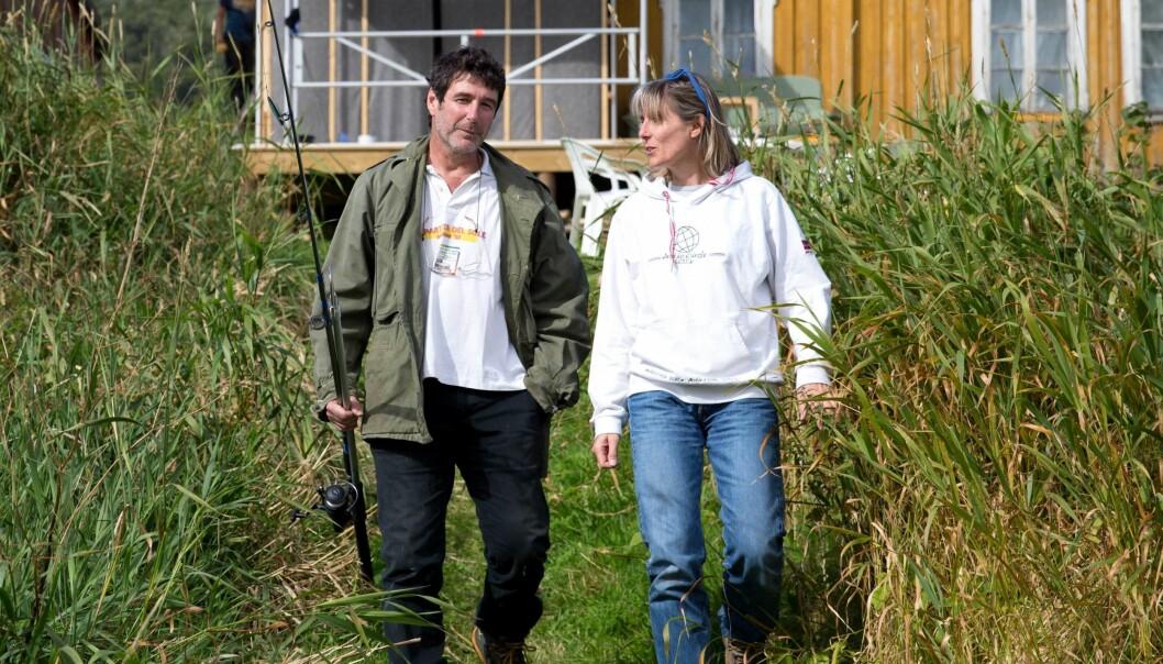 Geolog Giulio Selvaggi har blitt drapsdømt og frifunnet for jordskjelvet som inntraff i italienske L'Aquila i 2009. Sammen med kona Ingrid Hunstad kan han nå slappe av i parets feriehus i Bodø.  (Foto: Tina Alnes-Jørgensen)