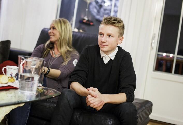 Lasse (16) tar betablokker for å beskytte hjertet, noe som hindrer det i å nå like høy puls som før. (Foto: Paal Audestad) (Foto: Ingvild Festervoll Melien)