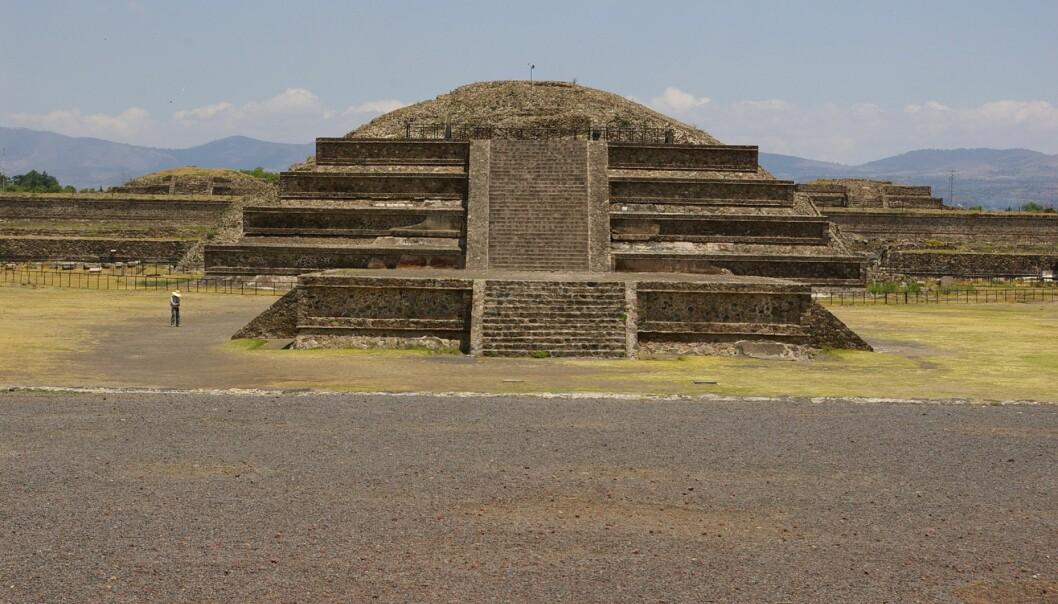 Meksikanske arkeologer har funnet flytende kvikksølv under en av pyramidene i Teotihuacan, nord for Mexico by.  (Foto: Wikimedia Commons)