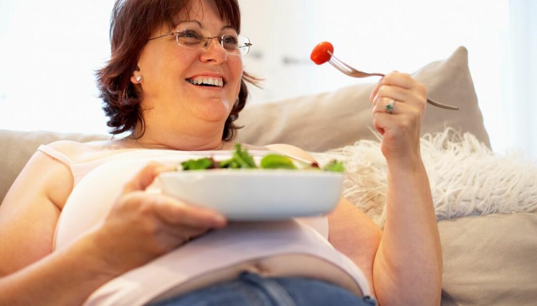 Intensiv livsstilsbehandling der pasienten får hjelp til å endre kosthold og spise- og treningsvaner i sitt vante hjemmemiljø, er den mest effektive metoden for å få et lettere liv. (Illustrasjonsfoto: Colourbox)
