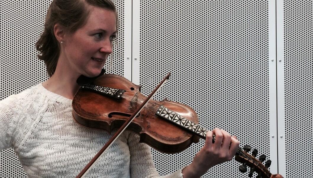 Laura Ellestad forsker på musikken til norske spellemenn i USA (Foto: Leif Gjerstad)
