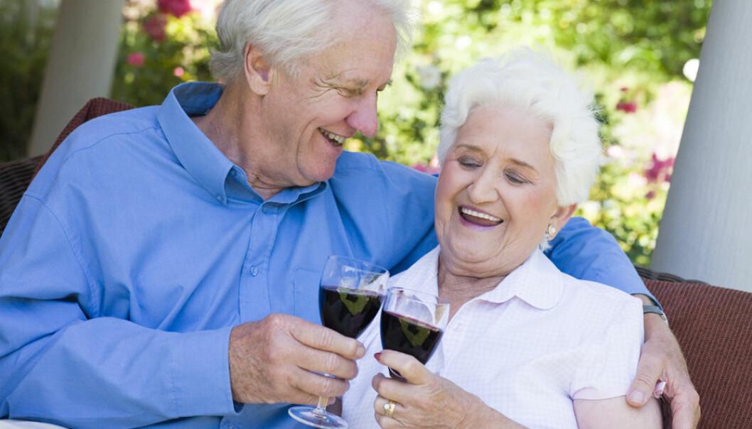 Eldre er friskere enn de var før. I medisinsk behandling legges det nå mer vekt på hvor skrøpelige de eldste er enn hvilket tall som står på fødselsattesten deres. (Illustrasjonsfoto: Colourbox)