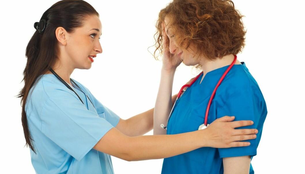 Støtten fra kollegaer betyr enormt mye for helsepersonell som jobber med mennesker som opplever en psykisk krise.  (Foto: Microstock/NTB scanpix)