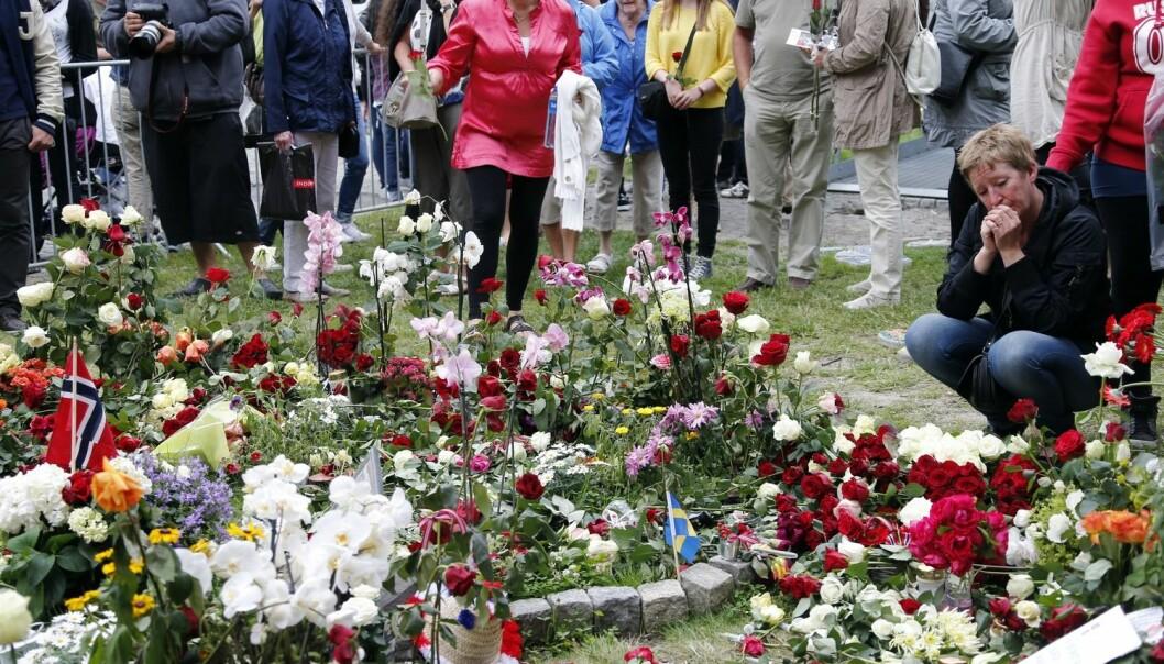 Et av forskningsprosjektene avdekket at enkelte av ungdommene fra Utøya gikk med selvmordstanker. Forskerne sørget for at disse ungdommene fikk den hjelpen de trengte. – Når man forsker på sårbare populasjoner, forplikter man seg til å hjelpe, forteller professor. (Foto: Lise Åserud, NTB scanpix)