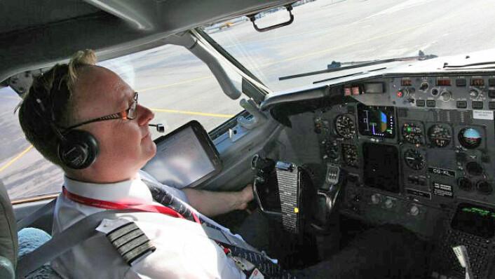 Kaptein Ole Christian Melhus i Norwegian tror de fleste vil sitte på et fly hvor piloten styrer. (Foto: Kjartan Rørslett, NRK)