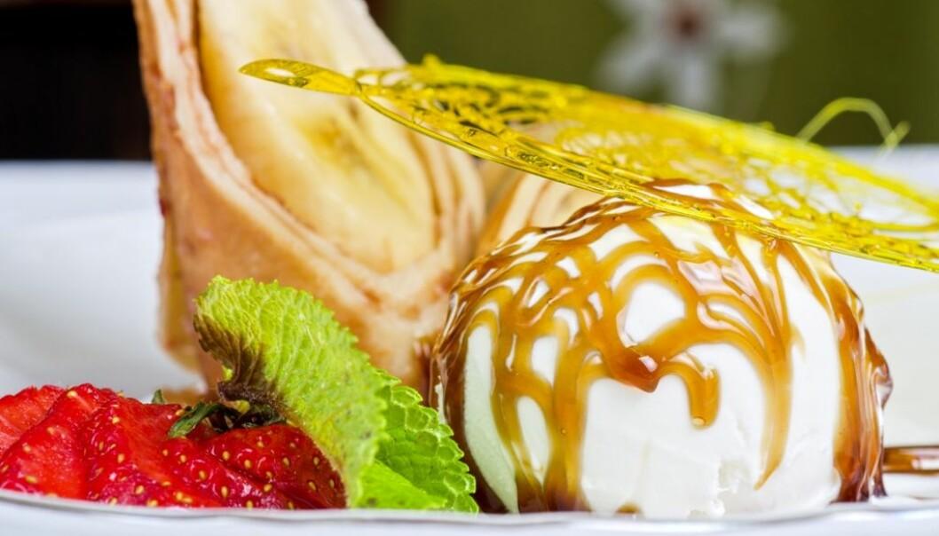 Emulgatorer hindrer fett og vann i å skille seg, og brukes blant annet for å lage iskrem. Men kan disse tilsetningsstoffene bidra til å gjøre oss fete? (Foto: Colourbox)