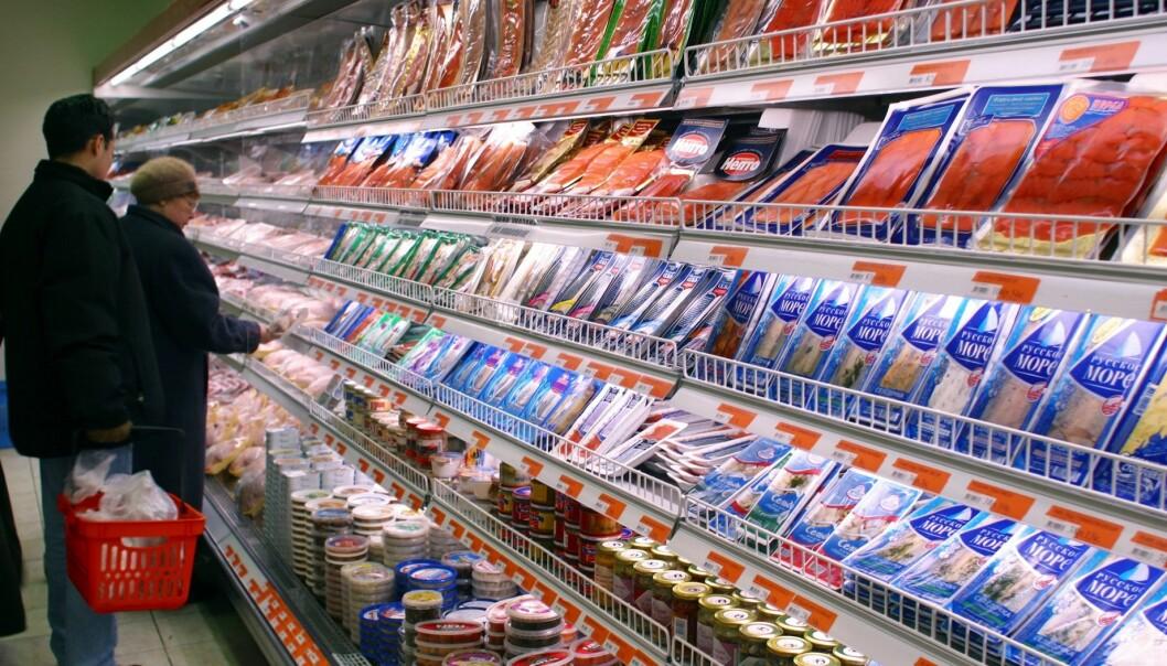 Norsk sjømat er for tiden stengt ute fra det russiske markedet. Likevel bør norske sjømatprodusenter opprettholde kontakten med sine russiske kunder. Her fra et russisk supermarked mens det enda var norsk fisk der. (Foto: Nofima)