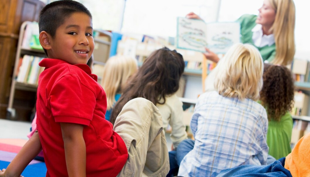 Relasjonen til pedagogen er ekstra viktig for minoritetsspråklige barn. (Illustrasjonsfoto: Colourbox)