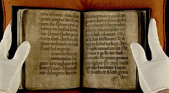 Spøkelsesansikter og ukjent tekst i bok fra middelalderen