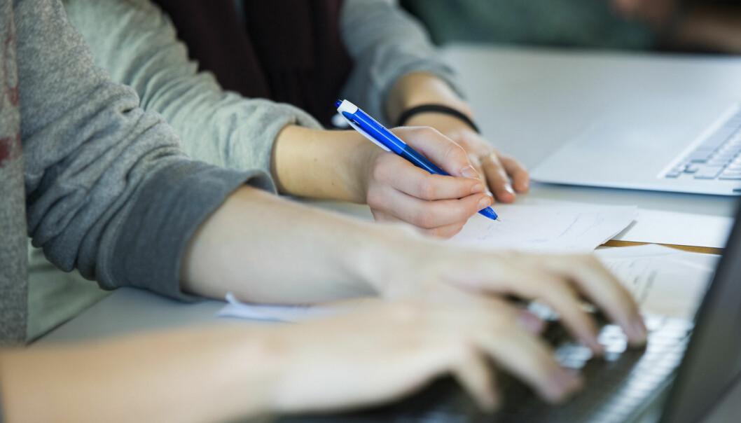 De ansatte vet når de skal møtes, det er struktur på møtene deres, og lærerne er tydelige overfor elevene. Slik er det på skolene som lykkes. (Foto: Berit Roald, NTB scanpix) )