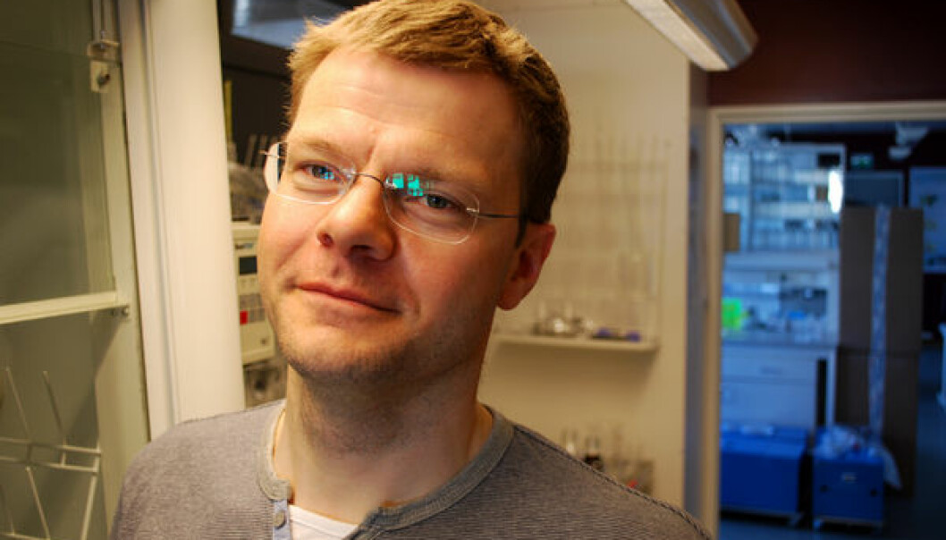 – Vi mennesker blir eksponert for tusenvis av kjemikalier hver dag. Vi trenger ikke enda flere kjemikalier i kroppen, sier forsker Torkjel Sandanger ved Norsk institutt for luftforskning.  (Foto: Helge M. Markusson, Framsenteret)