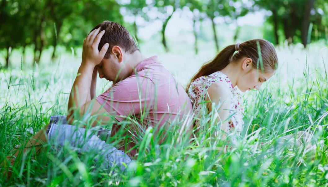 Når to skiller seg, blir én husholdning til to. Det belaster miljøet. På lengre sikt vil flere skilsmisser likevel trolig føre til lavere energiforbruk, fordi fødselstallene og dermed befolkningen avtar. (Illustrasjonsfoto: Colourbox)