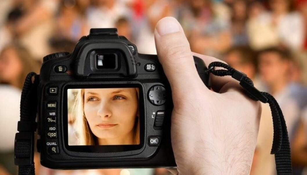 Skal du kjøpe nytt digitalt kamera, kan du ende opp med å betale både en tusenlapp mer og en tusenlapp mindre enn «normal» markedspris skulle ligget på. (Foto: Colourbox)