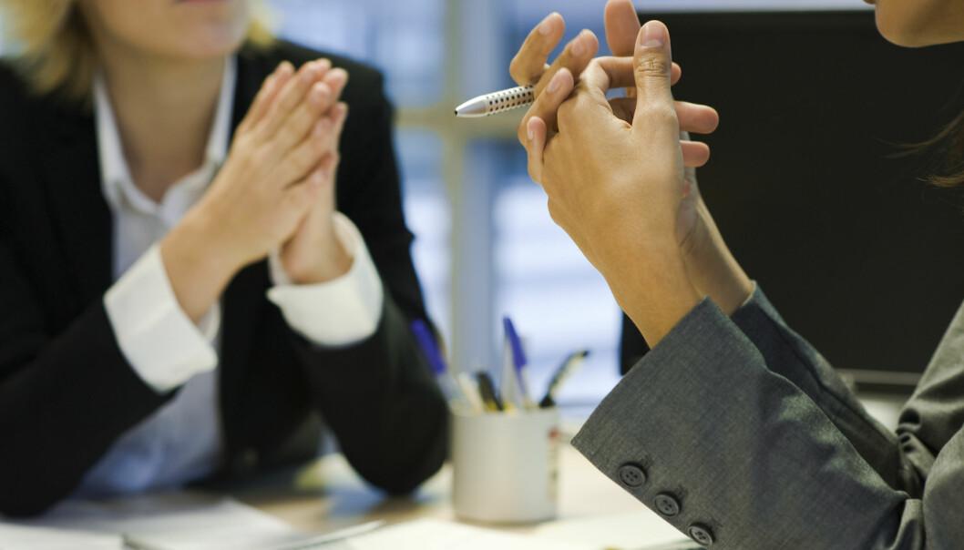 De som velges ut som ledere, har større evne til å kommunisere med de andre i gruppen. Evnen til å si det riktige på riktig tid, ser ut til å være viktigere enn å snakke mye, viser en ny studie.  (Foto: Colourbox)